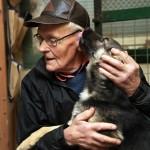 – Alla hundar behöver närhet och omsorg, säger Bengt Svensson.