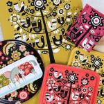 Anna Zetterlunds nydesignade brickor och kökshanddukar börjar snart att säljas i Formskrubbens webshop och på Ångermanlands Hemslöjd.