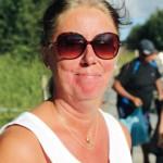 Anna Lena Ullberg bor fem muniters bilväg från Lustholmen men tar båten dit ändå.