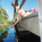 Signe Hellgren provar fiskelyckan.