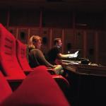 Scenografen Signe Krogh och ljusdesignern Michael Breiner på Teatern.