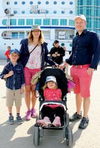 Familjen Pontus, Helen, Hanna, Markus