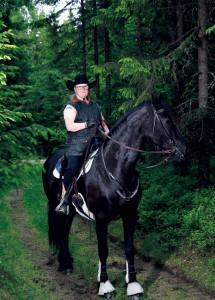 Fem-sex dagar i veckan ger sig Silvia och Jitske ut i skogen i Säbrå.