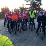 Anders Byström har som tradition att ta en selfie/groupie varje gång. Här vid Lotsstugan.