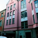 Hotellets äldre del har några externa hyresgäster, till exempel Metropol.