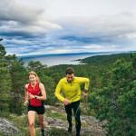 – En fantastisk bana i storslagen natur, säger Johanna Bergman och Marcus Strömsten när de provar den nya trailbanan Härnö Trail.