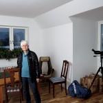 Ulla Karlsson Manhem har fönster åt tre håll i sin gavellägenhet.