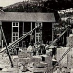 Örnsköldsviks stenhuggeri i början av 1900-talet. På bilden syns bland andra  John Eriks farbror Gustav.