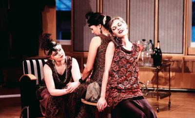 Alva Olsson, Phoebe Dinga, Saga Fribyter övar i full mundering.