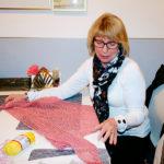 """Ann-Britt Wallin: """"Det här är en sjal som jag håller på att virka. Virkning går i perioder och jag har sett att det kommit tillbaka nu. Till skillnad från när man stickar kan man bara lägga ifrån sig virkningen utan att den repas upp!"""""""