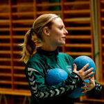 Caroline Hellström är assisterande tränare i laget.
