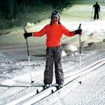En av de som valt att testa längdskidåkning är Ellie Öynes.