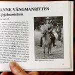 Marie Agebrink har nedskrivit historien bakom Janne Vängmanrittens uppkomst i Janne Vängmansällskapets dubbelårsbok 2001—2002.